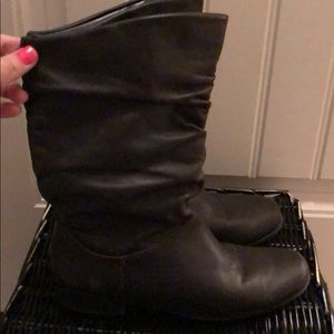 St. John's Bay flat brown leather boot 7.5